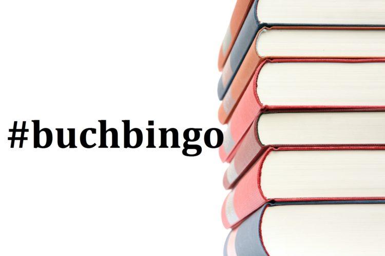 Buchstapel mit dem Hashtag Buchbingo